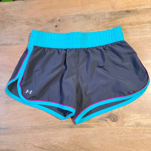 Under Armour UA HeatGear Armoury Shorty Ladies Pink Sports Compression Shorts S